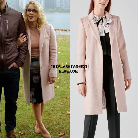 LOT 3x08 felicity coat(blog)