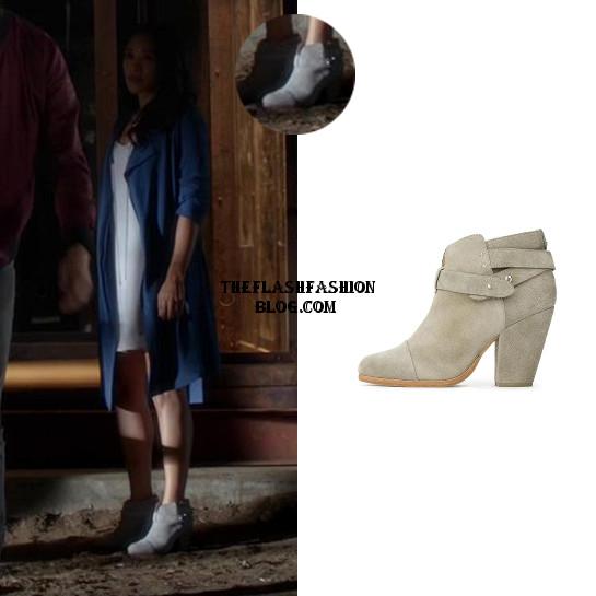 the flash 2x01 iris boots